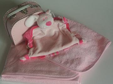 kraamkado koffertje roze
